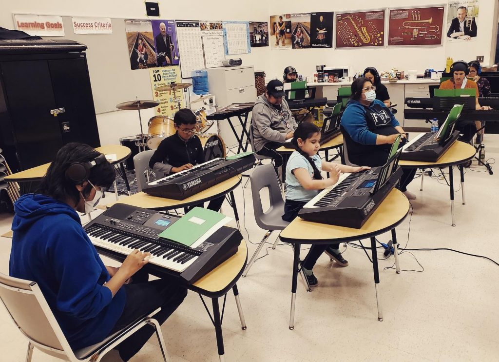 Here's a photo of the music class in Pikangikum First Nation over the weekend.   The students are now at the halfway point of completing the ArtsCan Circle Keyboard and Theory Workshop series. We've got a special graduation ceremony planned at the end. Stay tuned!   #artscancircle #musicworkshop #pikangikum #inspiration #connection